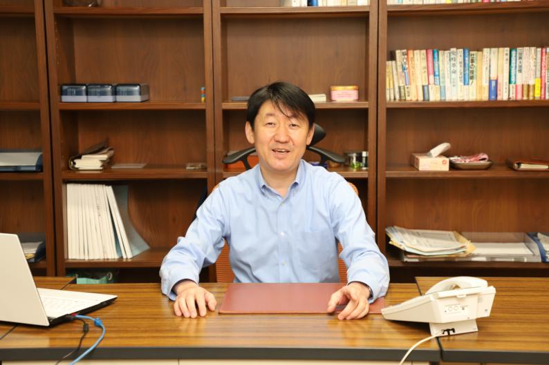 代表取締役社長 仲納林 浩蔵