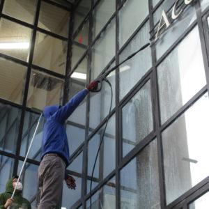 屋根窓清掃